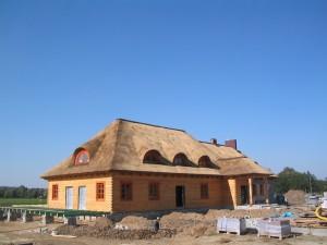 krycie dachów trzciną, strzecha cena, dachy z trzciny, dachy z wióra osikowego, dachy ze słomy